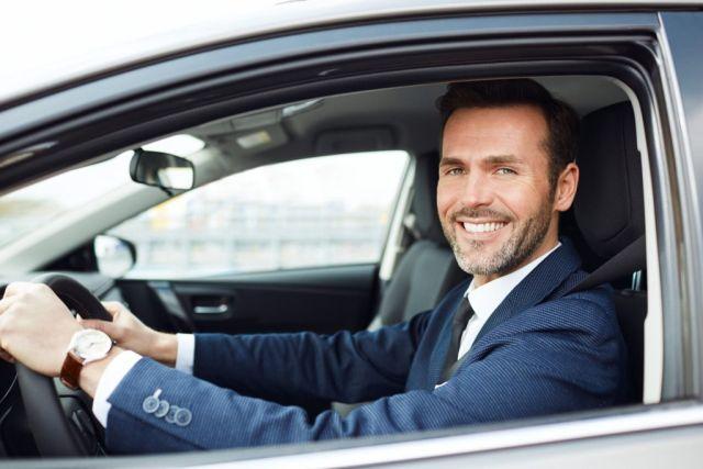 Jak wybrać samochód dla przedstawiciela handlowego wynajem długoterminowy Floteo